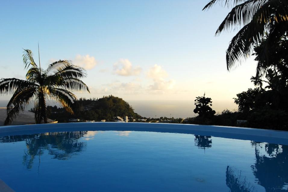 ILE DE LA REUNION – Villa Ambalaba 4*